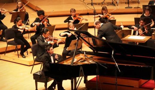 003-george-harliono-chicago-symphony-centre-2014