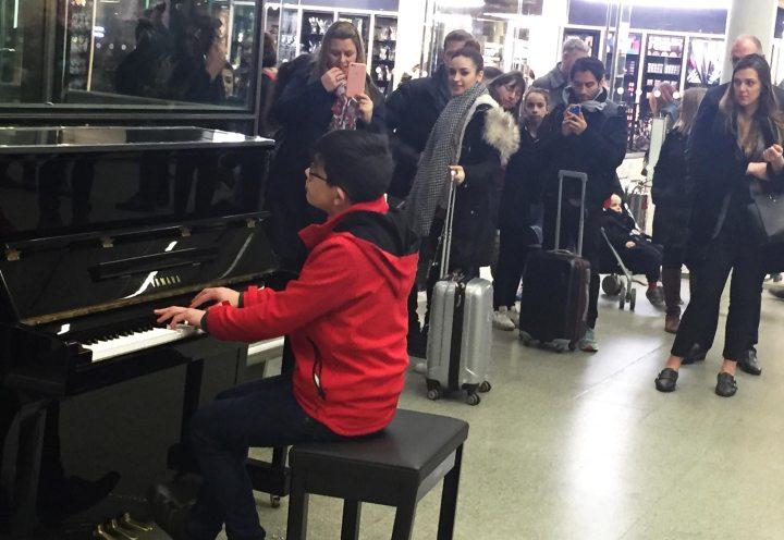 george harliono elton john piano001