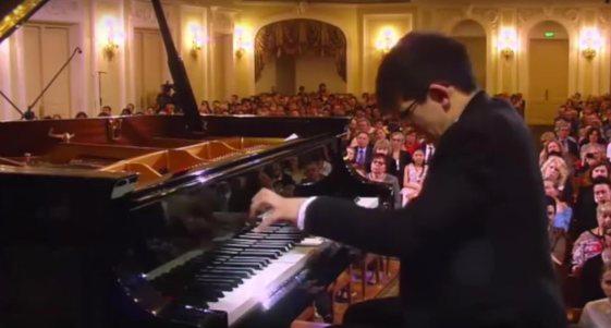 george-harliono-moscow-2016-004